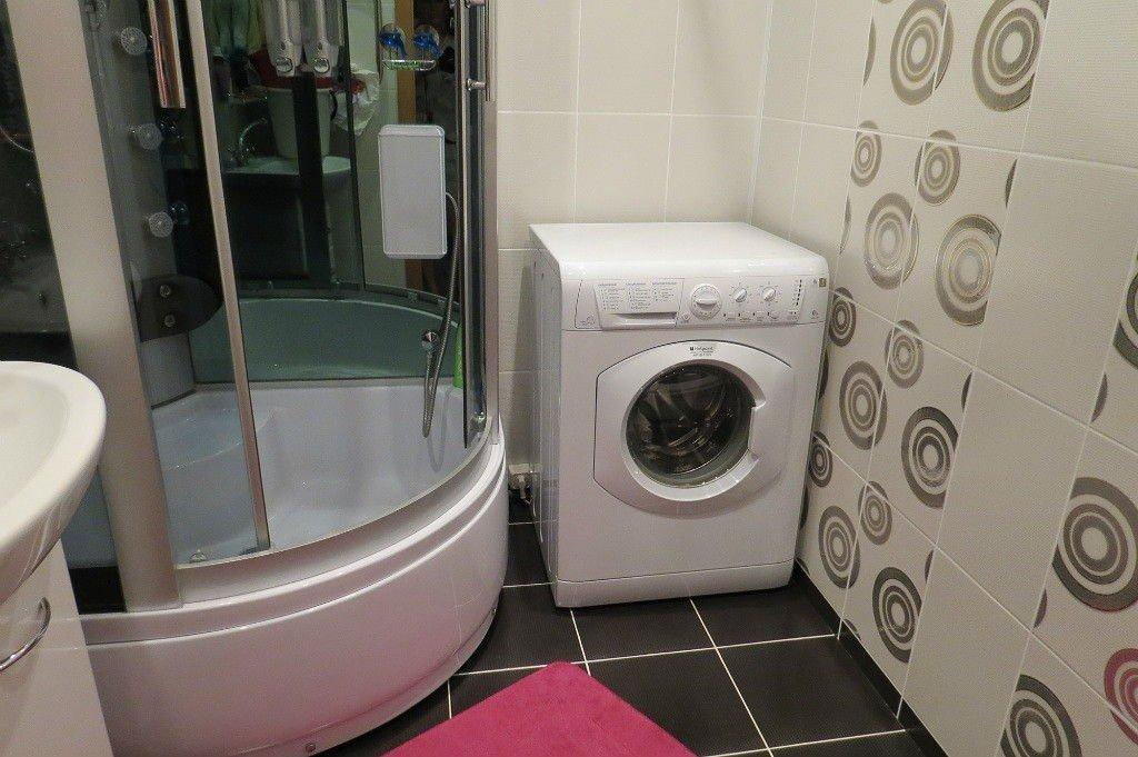 Интерьер ванной комнаты в хрущевке со стиральной машинкой