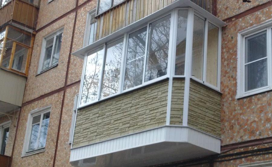 Декоративная отделка балкона снаружи