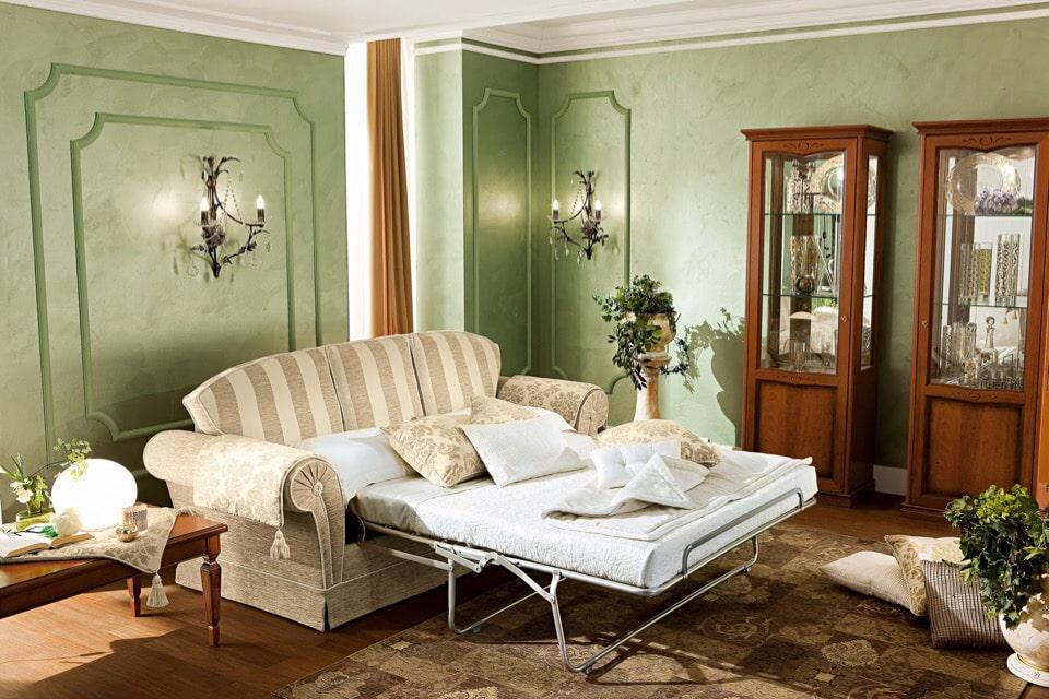 Прямой диван раскладного типа в стиле прованса