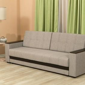 Прямой диван со спальным местом в сложенном состоянии