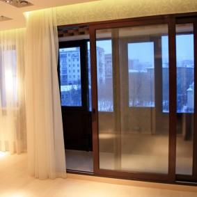 Саетлые шторы из белого тюля
