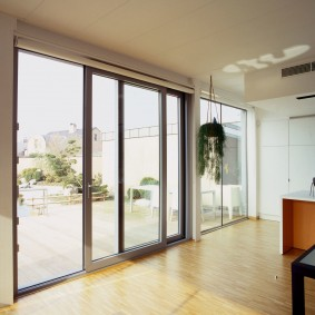 Портальные двери в стиле минимализма