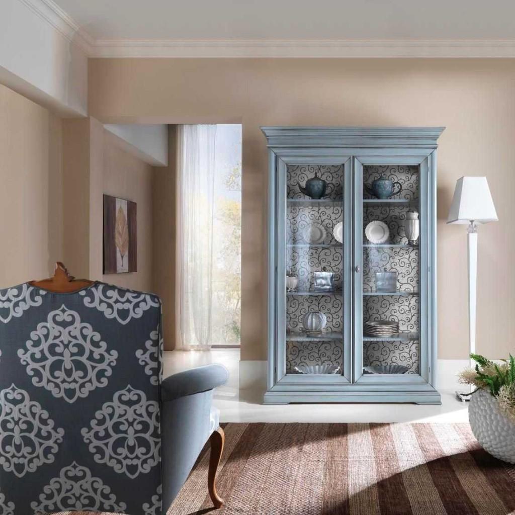 Сервант-витрина в стиле прованс