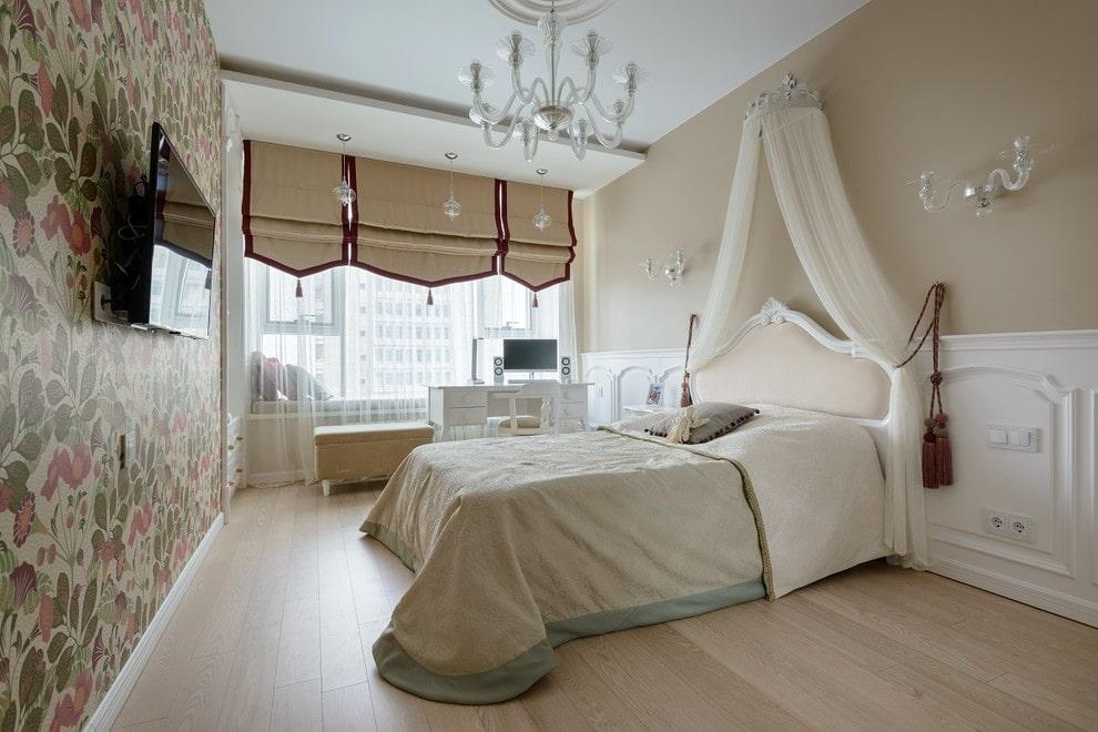 Римские шторы в современной спальне неоклассического стиля