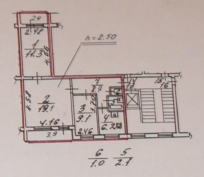 План трехкомнатной квартиры в доме 1лг-504д