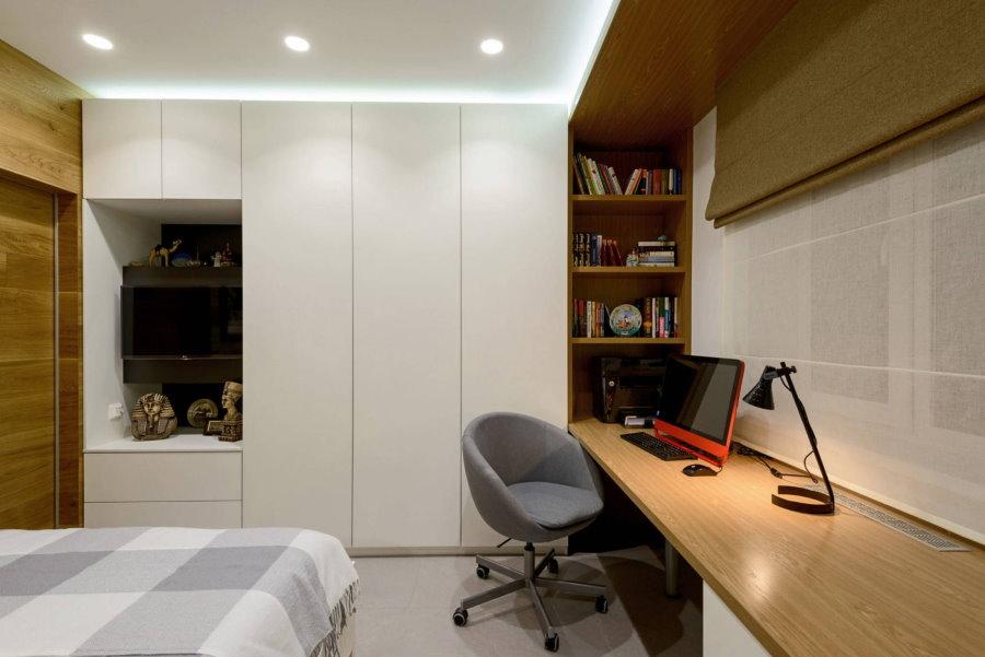 Встроенные шкафы в интерьере спальни