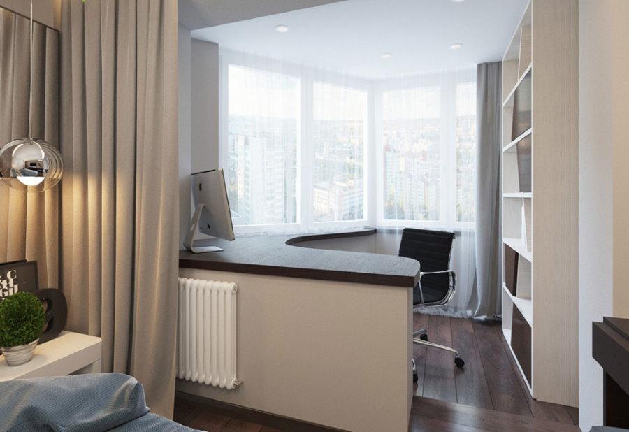 Рабочее место на балконе в спальной комнате