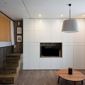 Встроенная мебель с гладкими фасадами
