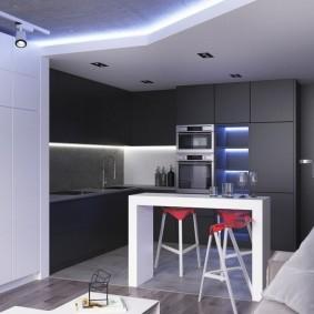 Двухуровневый потолок в квартире небольшого размера