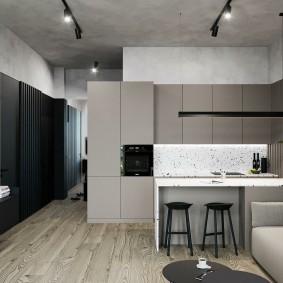 Серый потолок в квартире смешанного стиля интерьера