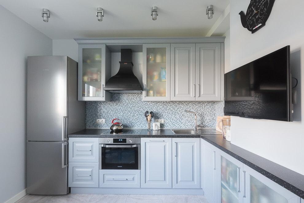Выбор диагонали телевизор для кухни
