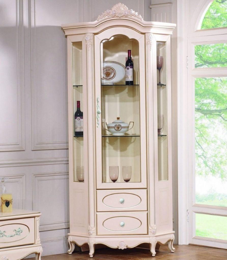 Фото углового буфета в интерьере классической гостиной