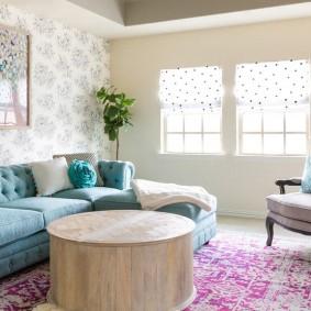 Бирюзовый диван с закругленными подлокотниками