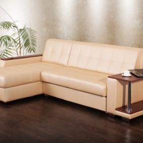 Угловой диван с обивкой из искусственной кожи