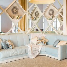 Голубой диван угловой конфигурации