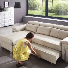 Раскладной диван с выдвижным спальным местом