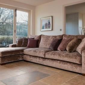 Бархатный диван со спальным местом