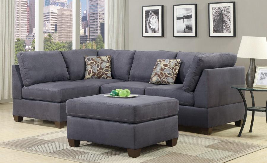 Угловая модель раскладного дивана с замшевой обивкой