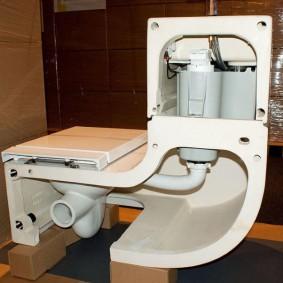 Система фильтрации навесного унитаза с раковиной на бачке