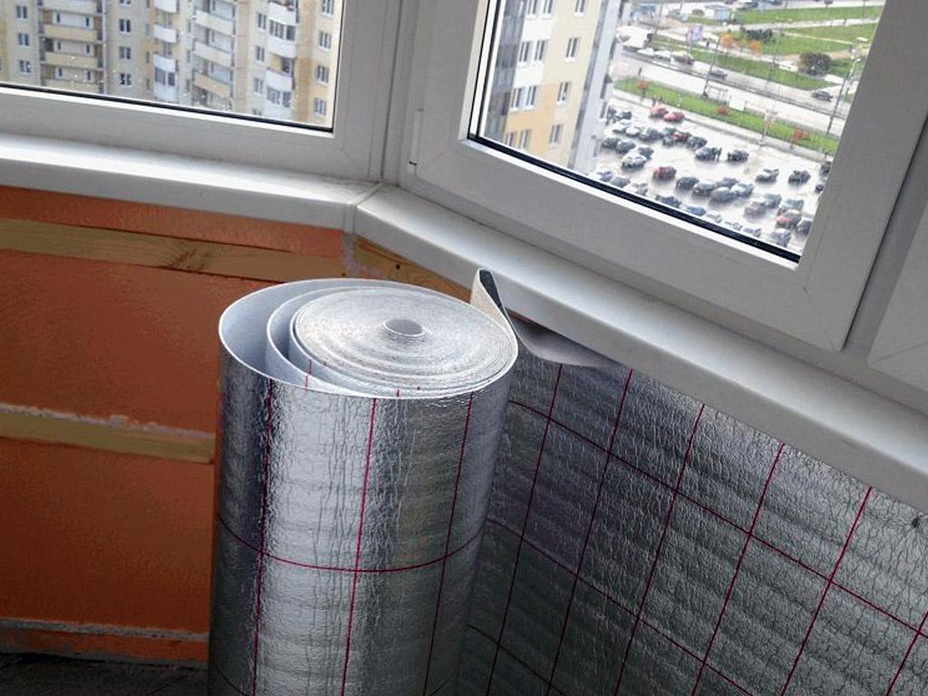 Утепление пенофолом стен на балконе