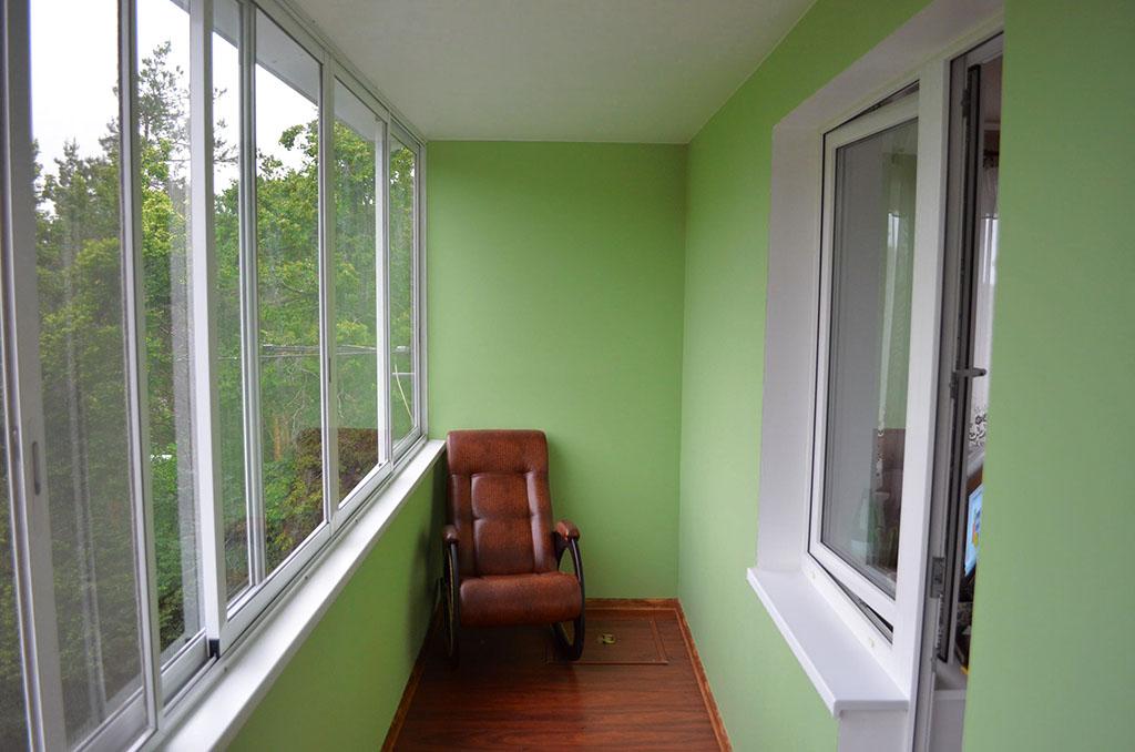Окраска стен лоджии составом для наружных работ