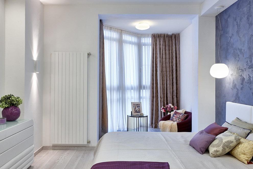 Зонирование светом спальни с балконом