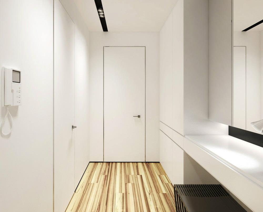 Встроенные шкафы в светлой прихожей
