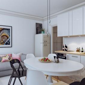 Кухня-гостиная с холодильником в углу