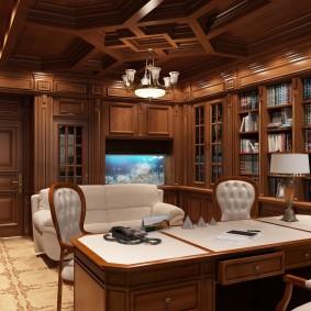 Большой письменный стол из ценной породы дерева