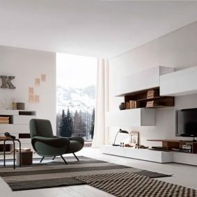 Просторная гостиная с мебелью модульного типа