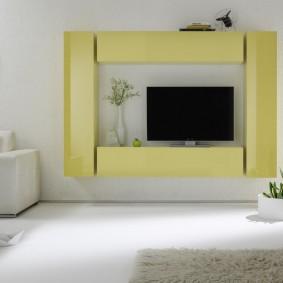 Подвесная мебель в светлой гостиной