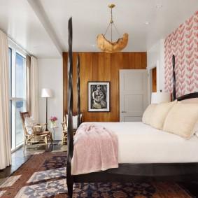 Деревянные панели в отделки спальной комнаты