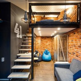 Интерьер двухъярусной квартиры-студии