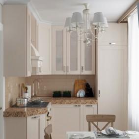 Угловой гарнитур в кухне однокомнатной квартиры
