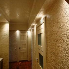 Фото примера отделки стены в коридоре квартиры