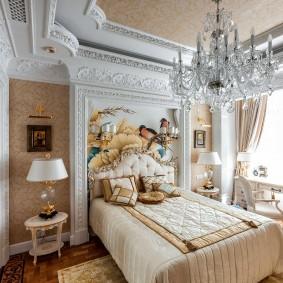 Отделка стен в комнате классического стиля
