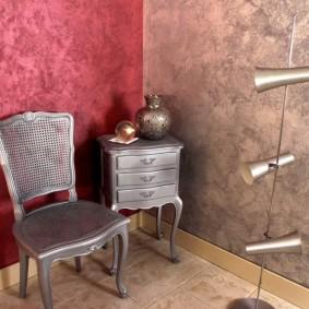 Ретро мебель в углу жилой комнаты