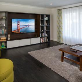 Черная мебель в квартире свободной планировки