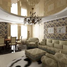 Черная люстра в гостиной комнате с натяжным полотном