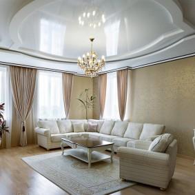 Мягкая мебель с дорогой обивкой
