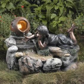 Садовая композиция с мии-водопадом