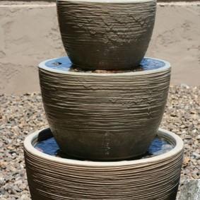 Фонтан с тремя чашами разного диаметра