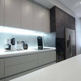 Освещение кухонного фартука экономичными лампочками