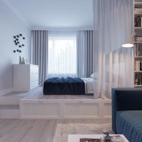 Обустройство спальной зоны на подиуме в квартире