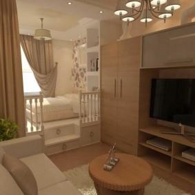 Небольшая гостиная с кроватью на подиуме