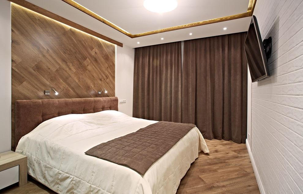 Кофейные шторы во всю стену спальни