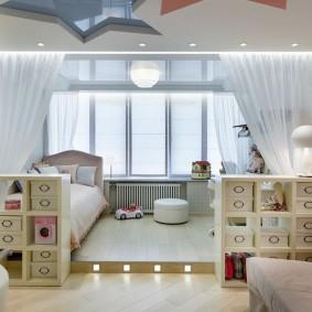 Детские кровати на лоджии с подиумом