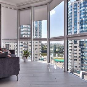 Большие окна на лоджии в квартире
