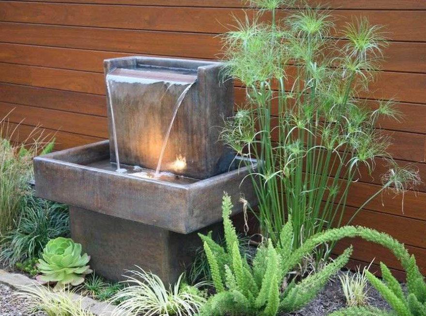 Мини-водопад с бетонной чашей