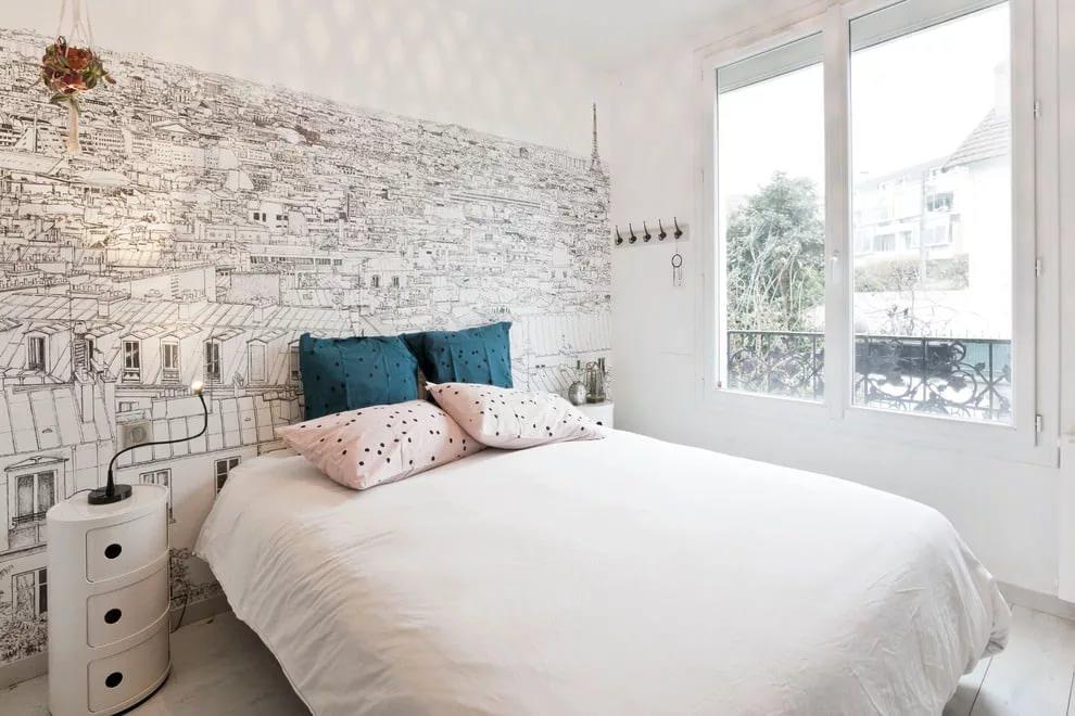 Оформление окна спальни в современном стиле